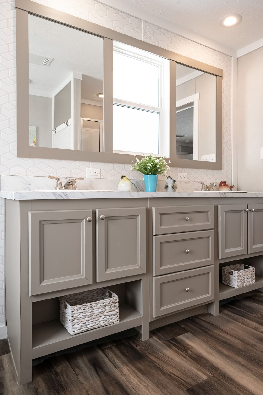 The THE KINGSLAND Master Bathroom. This Manufactured Mobile Home features 3 bedrooms and 2 baths.