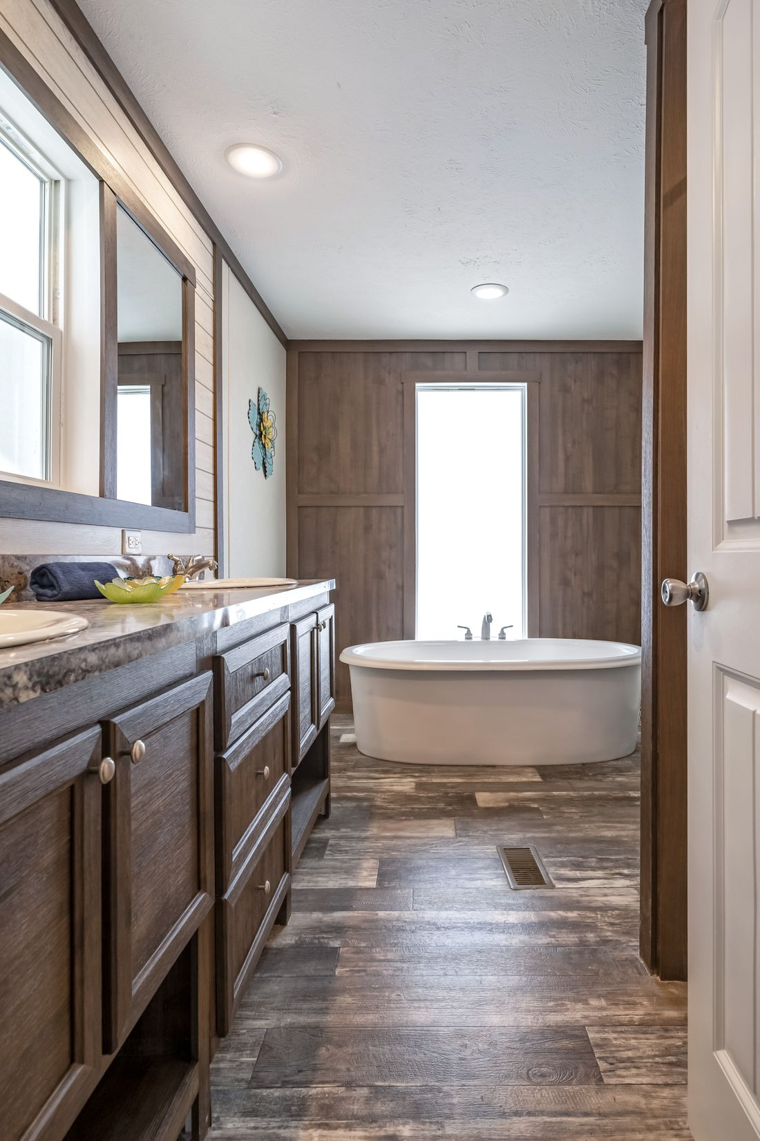 The THE RICHMOND Master Bathroom. This Manufactured Mobile Home features 3 bedrooms and 2 baths.