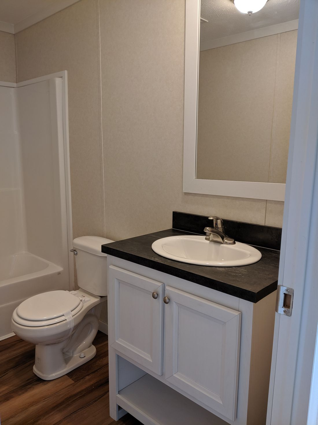 The CS2440-A Guest Bathroom. This Manufactured Mobile Home features 3 bedrooms and 2 baths.