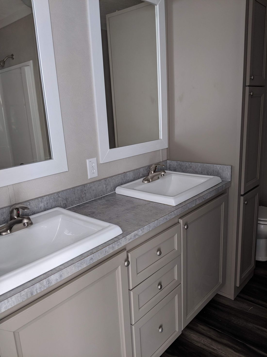 The CS2856-A Master Bathroom. This Manufactured Mobile Home features 4 bedrooms and 2 baths.